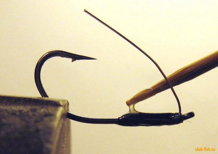 Как сделать мини-блесну с анти-зацепом из старой вертушки.