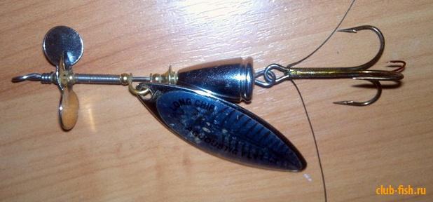 Переделка дешевой вращающейся блесны для ловли мирной рыбы.
