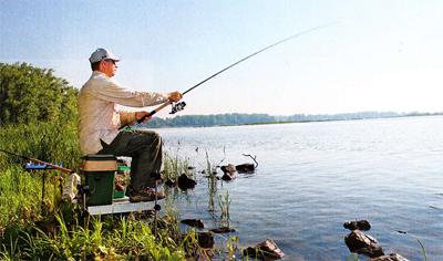 Когда рыбу необходимо достать с большой дистанции, выручает матчевая снасть.
