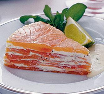 Рецепт слоеного торта из лосося