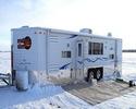 Мобильный дом для зимней рыбалки на льду.