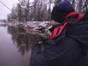 Со спиннингом на маленькой лесной реке.