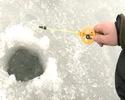 Ловля окуня со льда - видео Рыбак Рыбаку.